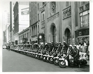 NEWS PHOTO: MOTORCYCLE COPS - JFK IN DETROIT (1962)