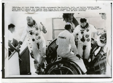 NEWS PHOTO: GEMINI VI RETURNS / STAFFORD & SCHIRRA 1965