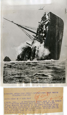 NEWS PHOTO: WWII - BRITISH SHIP SUNK BY U-BOAT (1942)