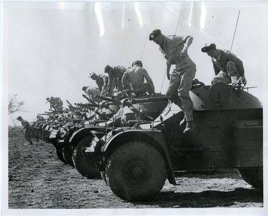 NEWS PHOTO: ARMORED CARS / SOUTH AFRICA DEFENSE (1971)