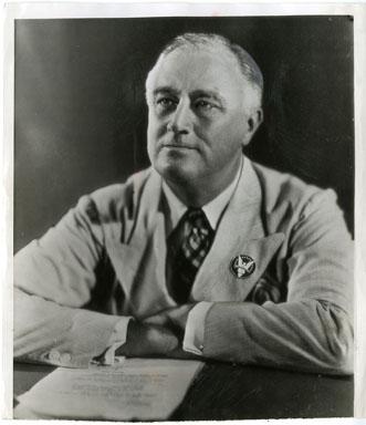 NEWS PHOTO: PRES FRANKLIN D ROOSEVELT/VICTORY FLEET 1942