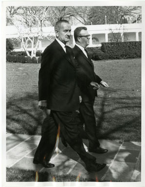 NEWS PHOTO: PRES. LYNDON JOHNSON /LAWRENCE O'BRIEN 1964