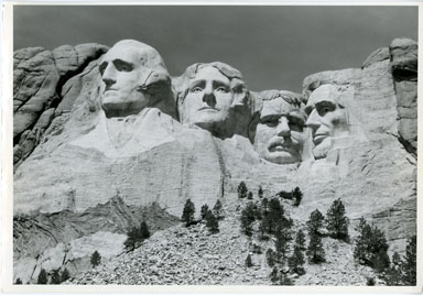 NEWS PHOTO: MOUNT RUSHMORE NATIONAL MONUMENT (1992) PRESERVATION FUND