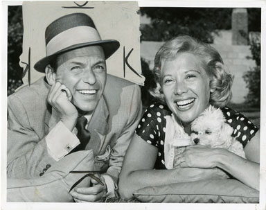 NEWS PHOTO: FRANK SINATRA AND DINAH SHORE (1958)