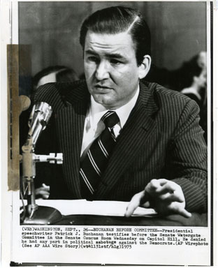 NEWS PHOTO: PAT BUCHANAN TESTIFIES BEFORE SENATE WATERGATE COMMITTEE (1973)