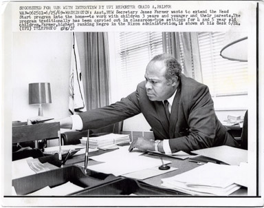UPI NEWS PHOTO: JAMES L. FARMER JR - VINTAGE PHOTO 1969