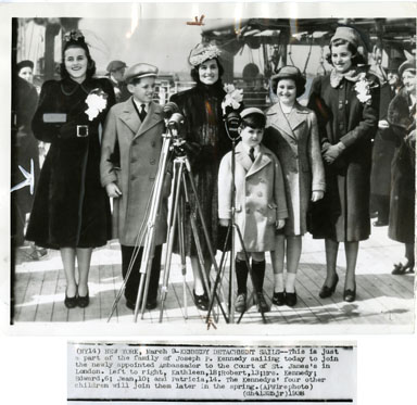 AP NEWS PHOTO: YOUNG KENNEDY CLAN 1938 ROBERT / KATHLEEN