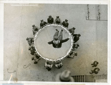 NEWS PHOTO: WASHINGTON FIREMAN STAGE DRILL (1928)