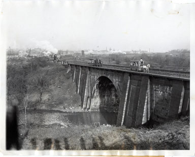AP NEWS PHOTO: CENTENNIAL OF OLDEST RAILROAD SPAN 1929