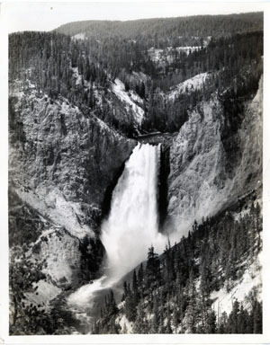 NEWS PHOTO: YELLOWSTONE NATIONAL PARK: LOWER FALLS 1936