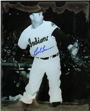 BOB LEMON (PITCHER) - AUTOGRAPHED PHOTO  INDIANS