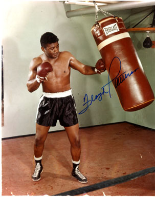 FLOYD PATTERSON - AUTOGRAPHED PHOTO / BOXING