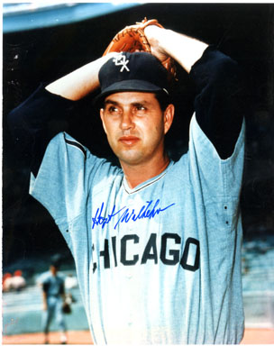 HOYT WILHELM (PITCHER) - SIGNED COLOR PHOTO WHITE SOX