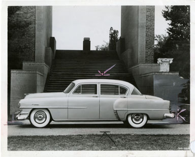 NEWS PHOTO: CHRYSLER WINDSOR DE LUXE SEDAN (1952)