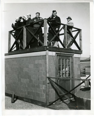 NEWS PHOTO: WWII AIR RAID WARDENS TAKE UP POST (1941)