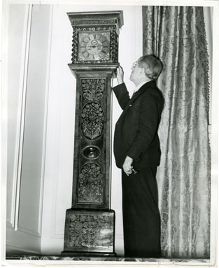NEWS PHOTO: CHARLES R. DEAN / 18th CENTURY CLOCK (1939)