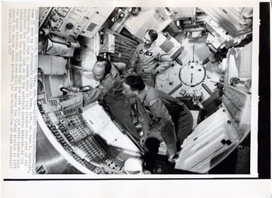 AP NEWS PHOTO: SKYLAB II CREW - VINTAGE PHOTOGRAPH 1972