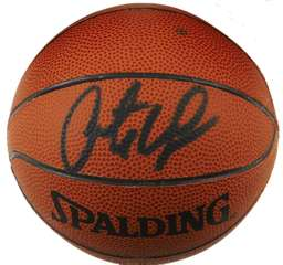 ANTOINE WALKER - SIGNED OFFICIAL WILSON MINI-BASKETBALL