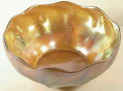 TIFFANY STUDIOS - IRIDESCENT Glass BOWL circa 1900